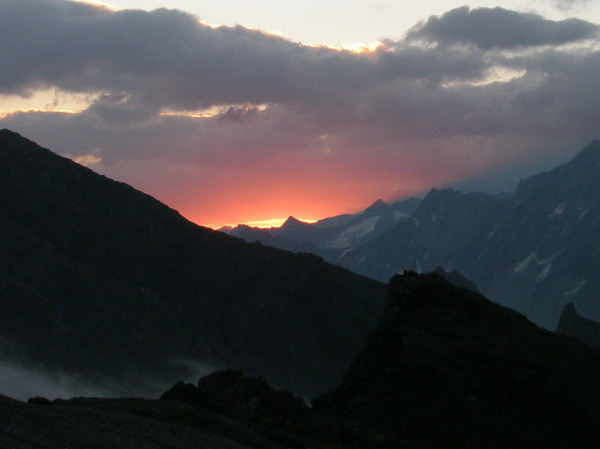 sunrise over the Pas de Chevre